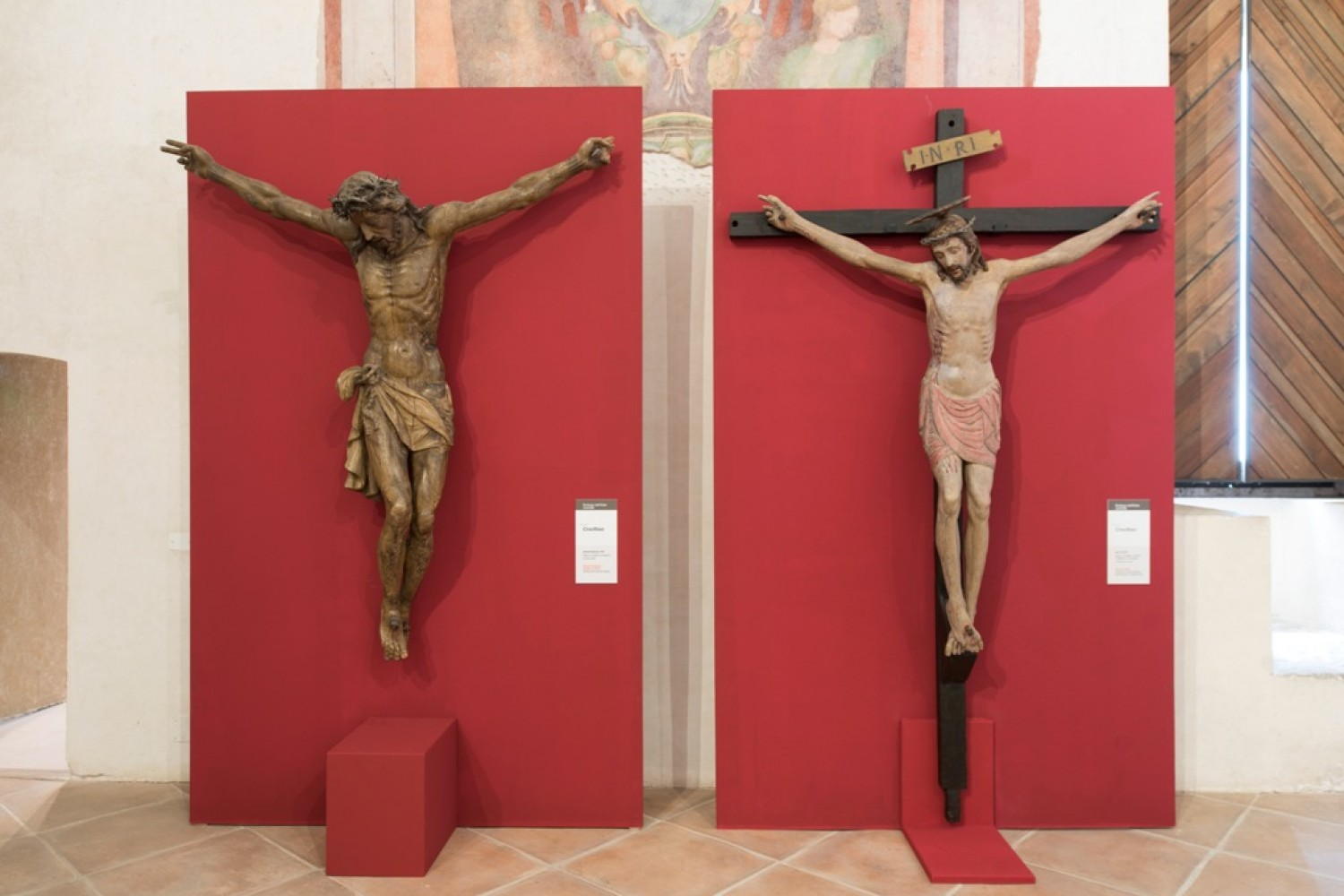 I due crocifissi in mostra